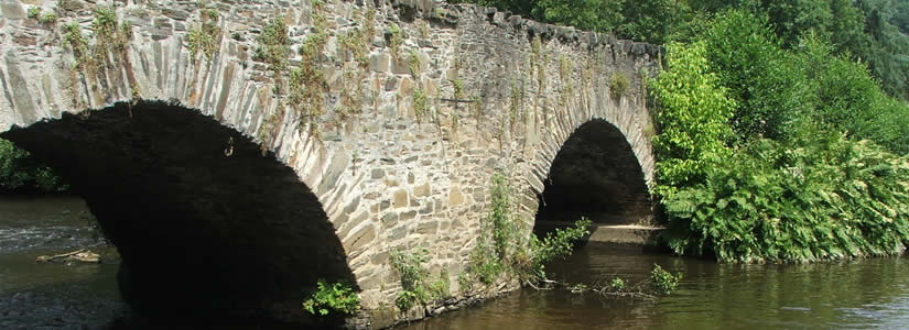 Photo 12 century bridge, France 2007
