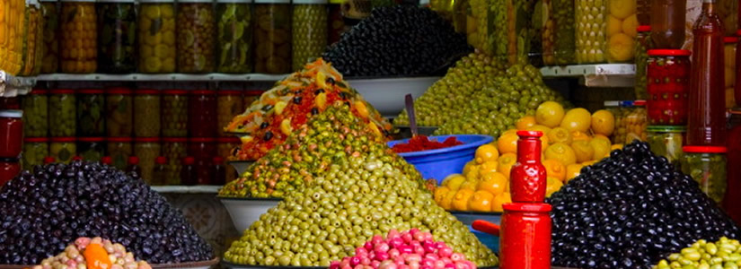 Photo of olive stall, Morocco © Peter Truman www.picsandlight.com