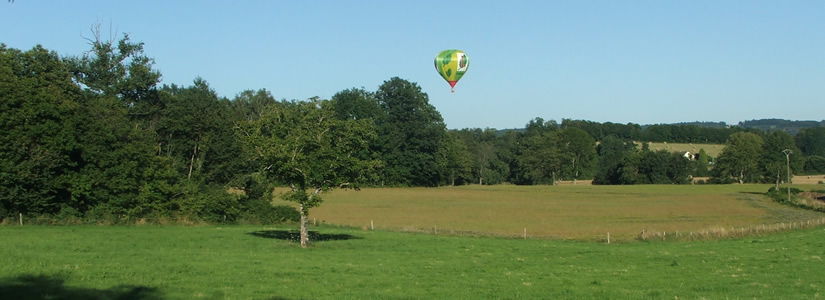 Photo of balloon over Le Chalard, France 2007